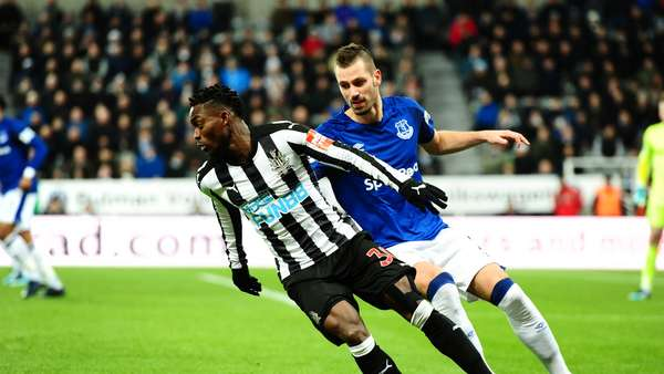 Christian Atsu spectacular in Premier League Mid-week